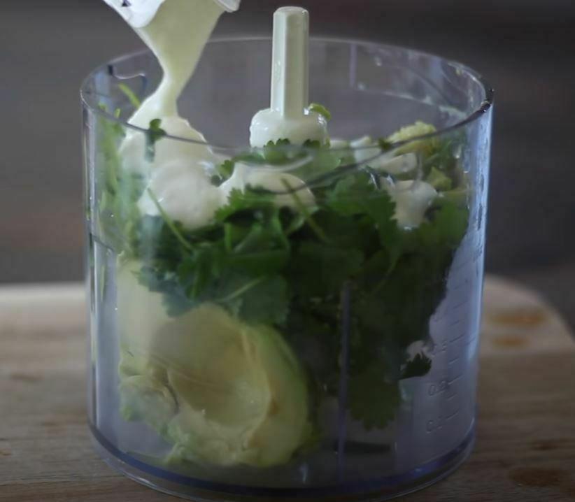 iogurte and lemon and avocado